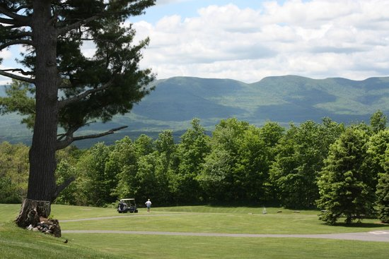 Sunny Hill Resort and Golf Course : View of the 7th fairway, pool and Catskill Mountains from the Grimstad
