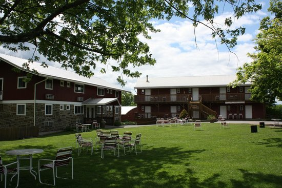 Sunny Hill Resort and Golf Course: The Viking, The Austland and the Main Lawn