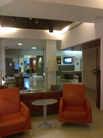 Best Western Plus Hotel Bologna: Lobby at the hotel