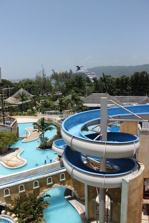 Sunscape Splash Montego Bay: see the Carnival Magic in the background?