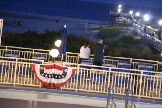 Attache Resort Motel : view of one of the decks. There are 2.