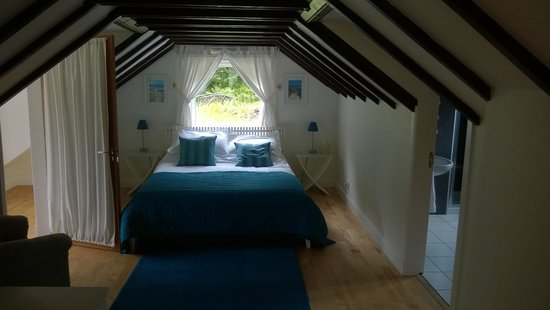 Huntingtower Lodge: Bedroom of the Waterfall Suite