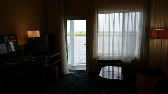 Fairfield Inn & Suites Chincoteague Island: View of the balcony from the room