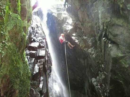 Rocaliza Adventure Tours: Repelling down the waterfall