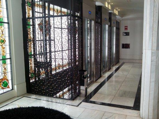 Hotel Vincci Via 66 : ascensores