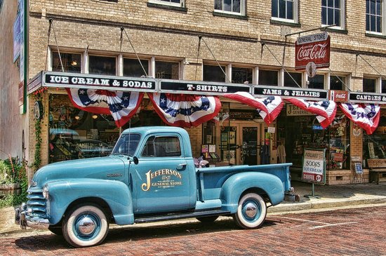 Jefferson General Store : the store itself