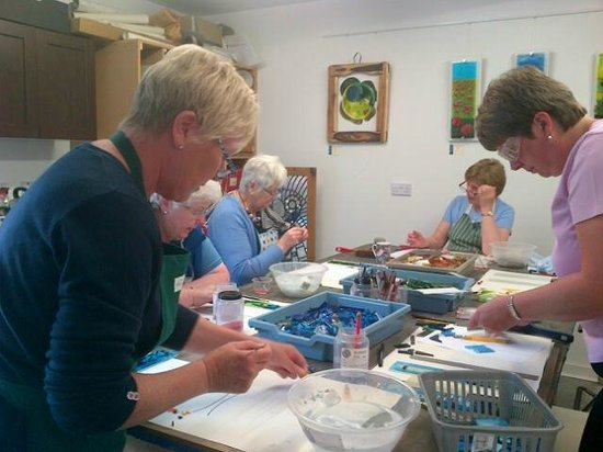 Felton, UK: Do something different....a glass workshop.