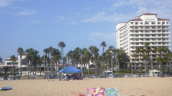 The Waterfront Beach Resort, A Hilton Hotel: hotel from the beach