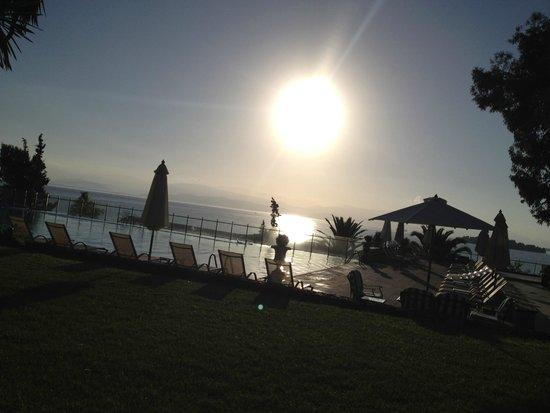 Kontokali Bay Resort and Spa: Uitzicht om 7uur 's morgens