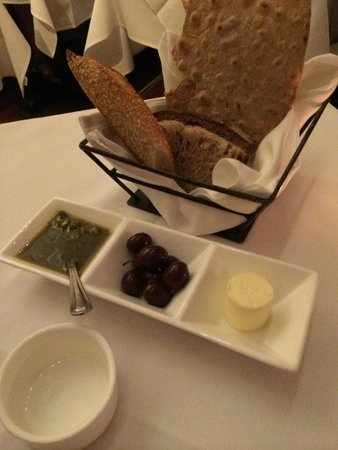 Union Square Cafe: bread with accompaniments