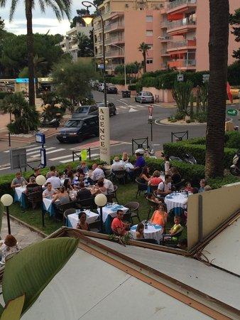 Hotel Victoria: Great Italian restaurant next door to the hotel.