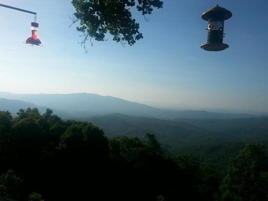 Alpine Inn: This is the view at breakfast (ahhhh...as perfect as you can get)