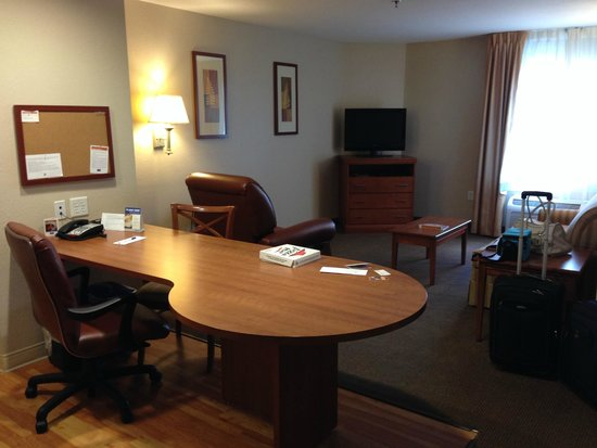 Candlewood Suites Leray-Watertown: Suite