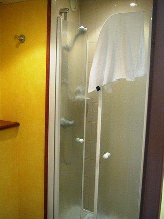 Mercure Nice Cap 3000 Aeroport: salle de bains