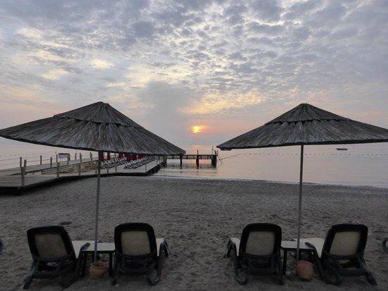 Renaissance Antalya Beach Resort & Spa: Beach view.