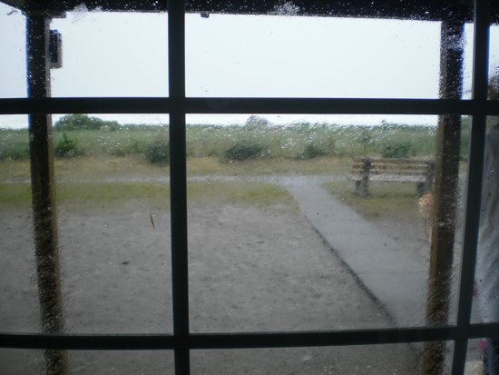 White Point Beach Resort: The view of the storm from our cottage
