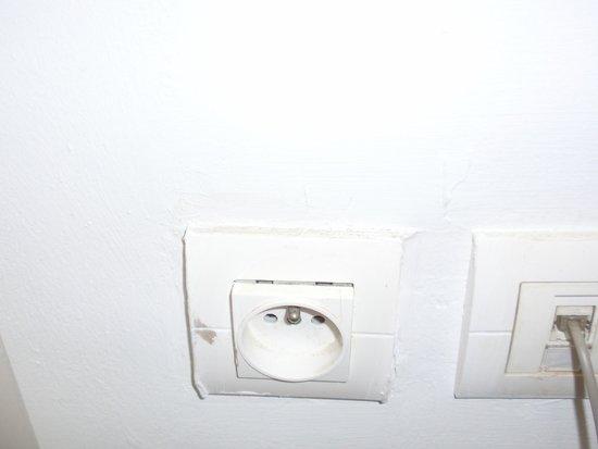 Récif Attitude : Prise électrique très dangereuse !