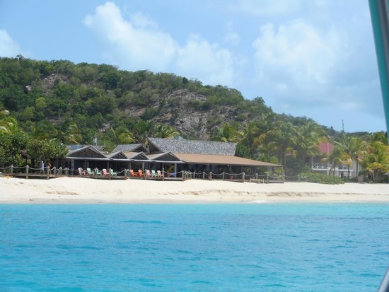 Galley Bay Resort : View of resort from the sailboat