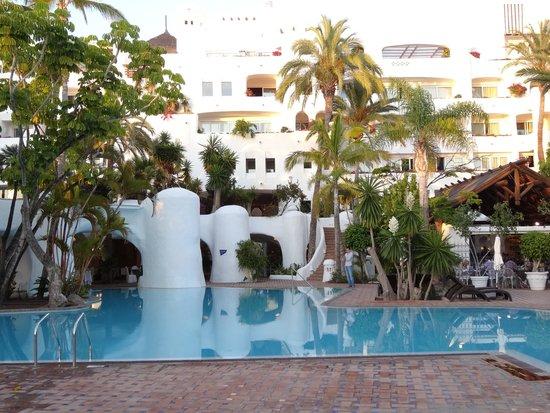 Hotel Jardín Tropical: Hotel tuinzicht