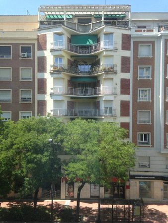 Innside Madrid Luchana: Вид из окна