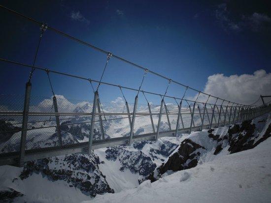 Mount Titlis: titlis bridge