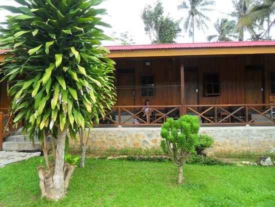 Ue Datu Cottages: Vista de la habitacion