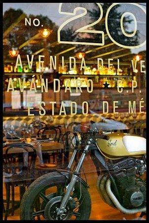 La Dolores: Café Racer
