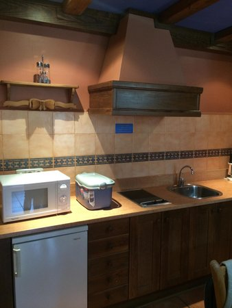 Suite Aparthotel y Spa Eth Refugi d'Aran: Cocina