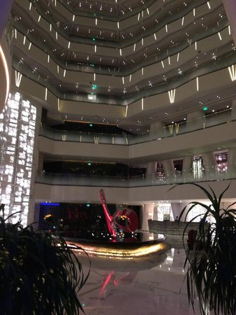 Four Seasons Hotel Guangzhou : Hotel Lobby