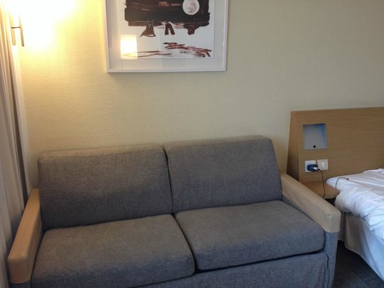 Novotel London Heathrow: The couch