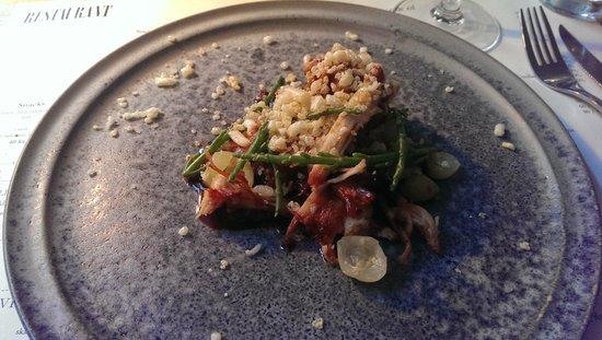 Restaurant Cofoco: Svinebryst med BBQ sauce røget kartoffelkompot, syltede stikkelsbær og salturt