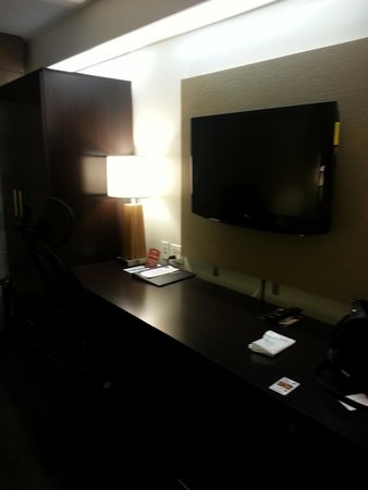 Sleep Inn, Potomac Mills: Flat screen w/lots of channel options
