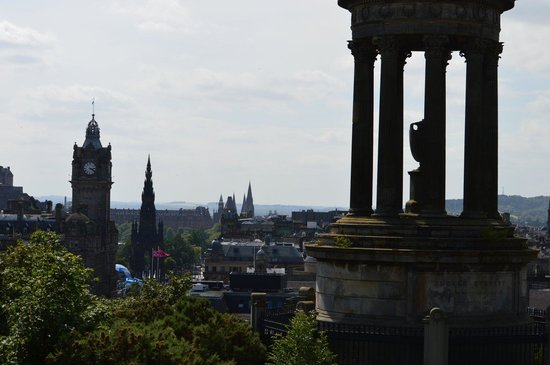 Calton Hill: Skyline