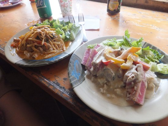 Nutcharee's Authentic Thai Food: Red and green thai curries