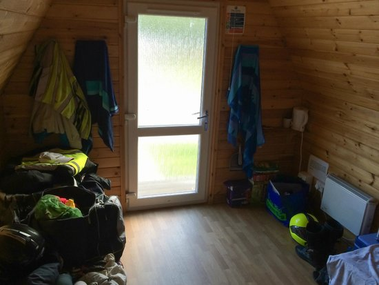 Pine Trees Leisure Park: Inside the 4 bed Hiker Hut