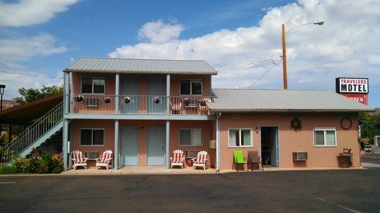 Travelers Motel: Motel front