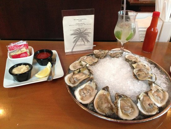 Guppy's on the Beach : Raw Oysters