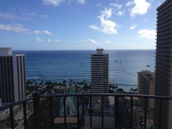 Hilton Waikiki Beach: View from Balcony