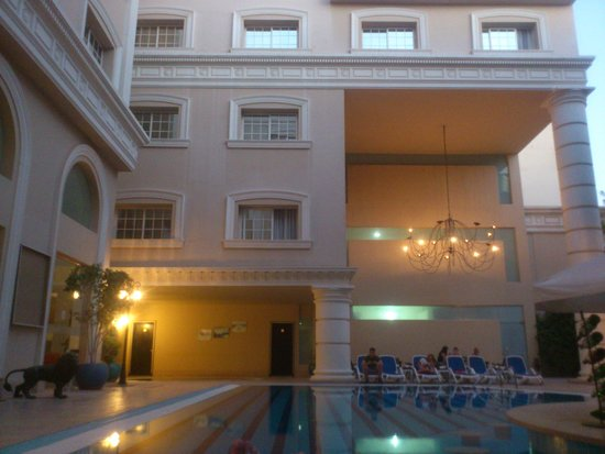 Elysees : Вид на бассейн с баром