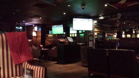 Original Sokos Hotel Olympia Garden: Sports bar