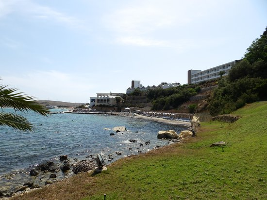 Mellieha Bay Hotel: Hotel private beach