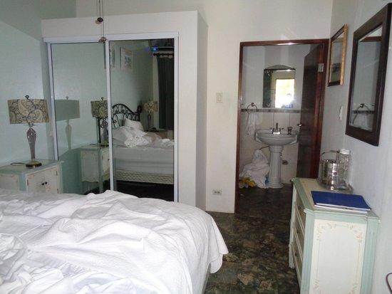 Casa Castellana Bed & Breakfast Inn: Inside the Toledo room
