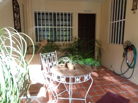 Casa Castellana Bed & Breakfast Inn: Entrance to the Toledo Room