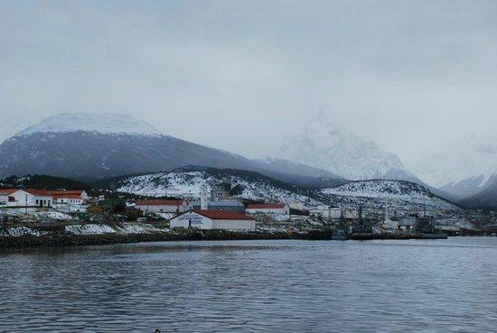 Lennox Hotels Ushuaia: Ushuaia desde el catamaran