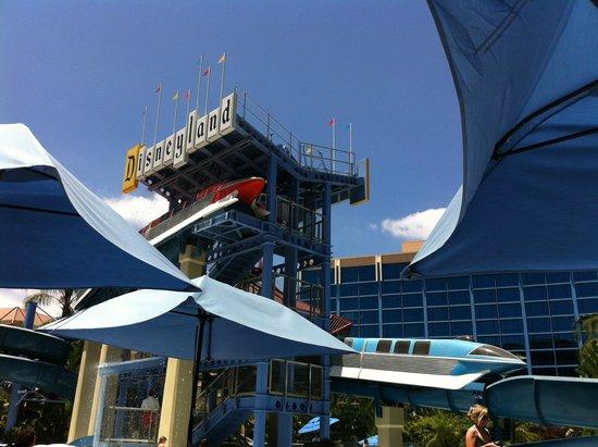 Disneyland Hotel : Pool