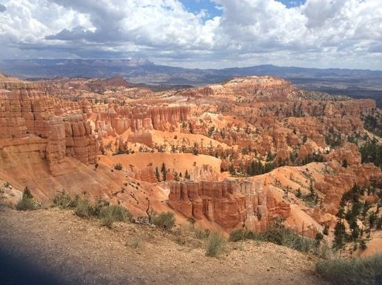 Bryce Canyon Lodge: view from rim