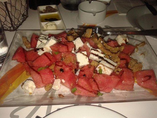 Avli Tou Thodori: salad with watermelon and feta cheese