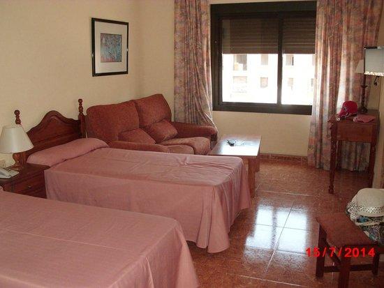 Apartamentos Turisticos Elegance Resitur: Quarto