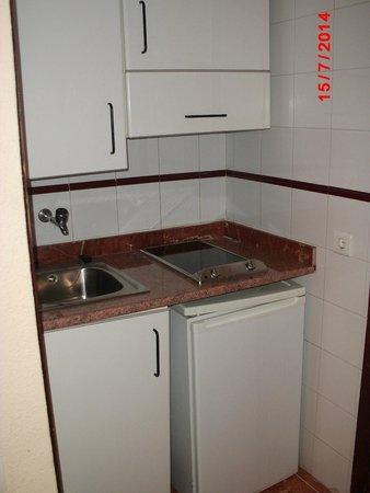 Apartamentos Turisticos Elegance Resitur: Cozinha