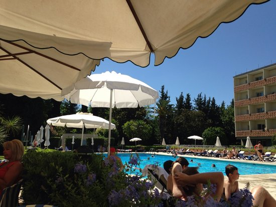 Crowne Plaza Rome - St. Peter's : View of the pool